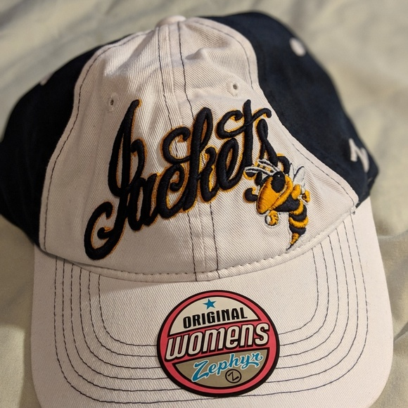 Georgia Tech Yellow Jackets Men/'s Silk Vest Gold Choose Size NWT NCAA College